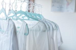衣類に染み付いた加齢臭<br>洗濯で除去する5ステップとは