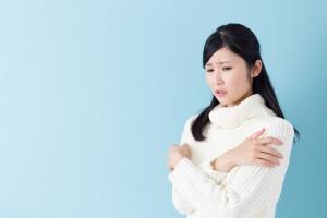冬なのに汗の臭いが?衣服にこもりがちな臭いの撃退法教えます!
