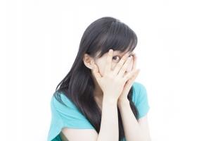 汗の季節がやってくる前に、鼻のテカリを防ぐ5の方法