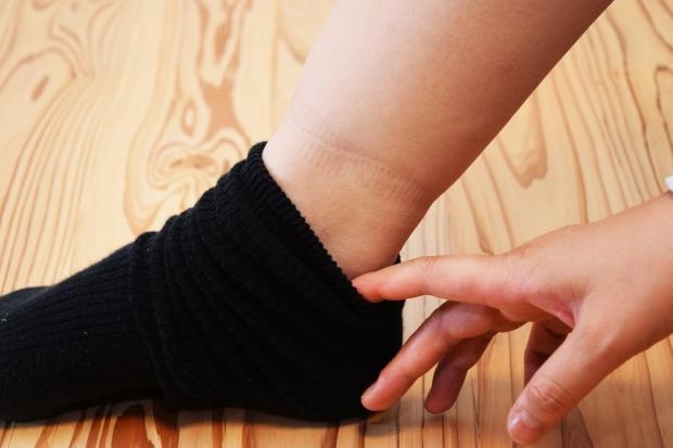 【画像】足汗と足のニオイを抑える「5本指靴下」の威力!