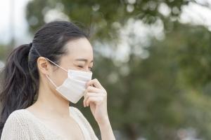 花粉症でも汗をかく理由とその対策とは?